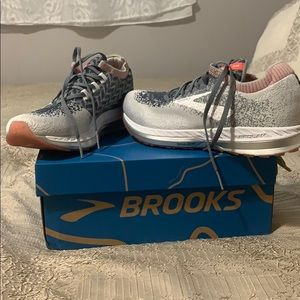 Brooks shoes